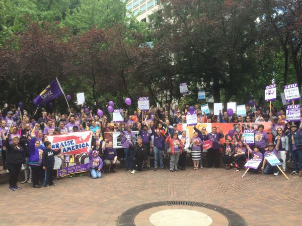 justice-for-janitors-crowd
